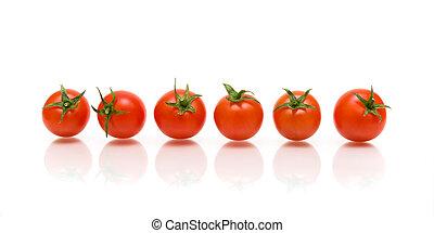 zes, tomaten, met, reflectie, op wit, achtergrond