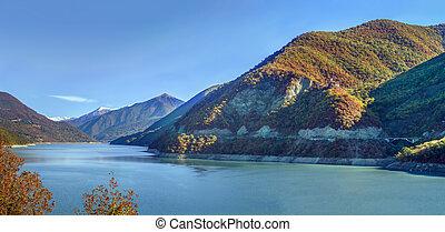 Zhinvali reservoir, Georgia - Panoramic landscape of ...