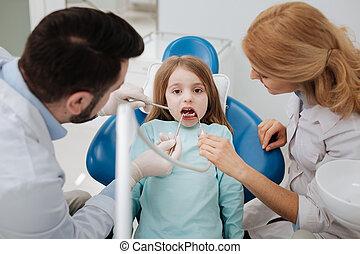 zich het gedragen, gekwalificeerd, tandartsen, procedure, team