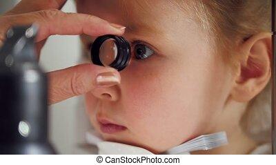 zicht, kind, arts, -, weinig; niet zo(veel), oogheelkunde,...