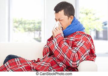 ziek, man, blazende neus, met, weefsel, op, sofa, thuis