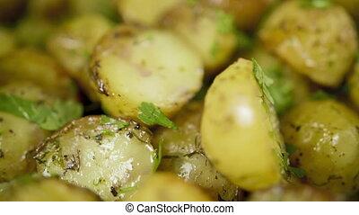zieleń, pokropić, kartofel, upieczony, złoty