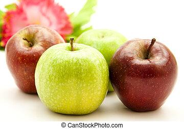 zielone jabłka, czerwony