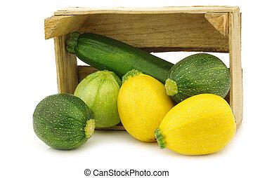 zielony, żółty, zucchinis