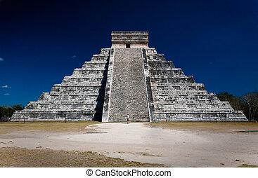 Ziggurat (pyramid) at Chichen Itza