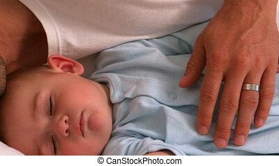 zijn, baby, vader, het liggen, slapende