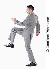 zijn, been op, zakenman, verticaal, het tilen
