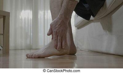 zijn, patiënt, zittende , wrijven, artritis, bed,...