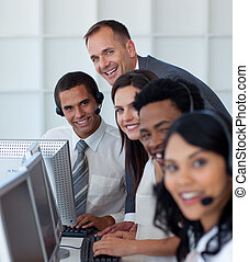 zijn, team, directeur, centrum, zakelijk, werkende , roepen