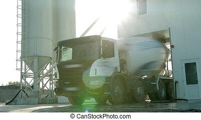 zijn, vrachtwagen, vullen, op, zon, product., morgen, ...
