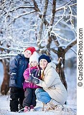 zima, rodina, venku