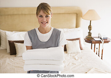 zimmer, hotel, mädchen, handtücher, besitz, lächeln