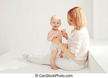 Zimmer, Mutter,  baby, Daheim, weißes, spielende, glücklich