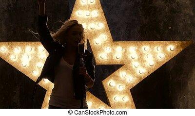 zinger, vrouw, ster, motie, microfoon, achtergrond., ...