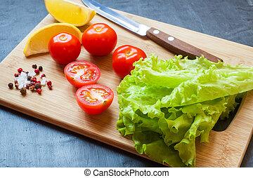 zitrone, kopfsalat, tomaten, hölzern, kirschen, dunkles grün, hintergrund, board., frisch, gewürz