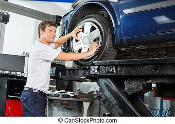 zmęczyć, zamocowywanie, mechanik, wóz, stop, uśmiechanie się