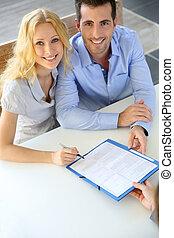 znacząc, prawdziwy-stan, para, kontrakt, radosny, przedstawiciel, posiadanie