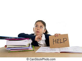 zoet, klein meisje, verveeld, onder spanning, vragen, voor, helpen, in, haat, school, concept