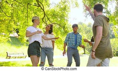zomer, dancing, park, feestje, vrienden, vrolijke
