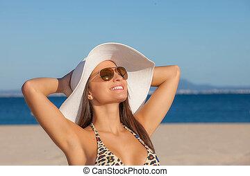 zomer, glimlachende vrouw, vakantie