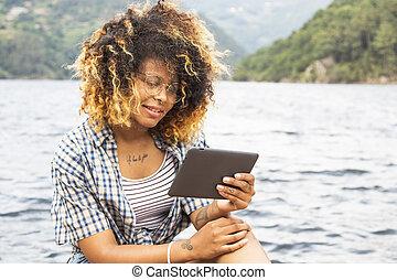 zomer, meisje, vakantie, tablet's