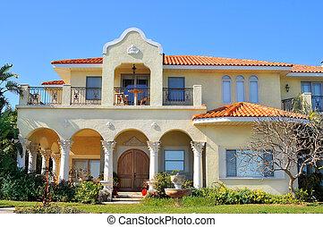 Casa stile torre spagnolo tradizionale stile occhio for Casa in stile ranch rialzato