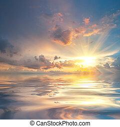 zonsondergang over zee, met, reflectie, in, water