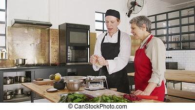 zrobienie, pasta, kuchmistrze, ciasto