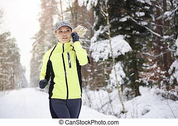 zuhören, winterzeit, rennender , musik, frau