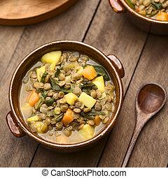 zupa, soczewica, szpinak