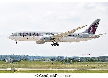 ZURICH, SWITZERLAND - MAY 25, 2014: Qatar airplane landing ...