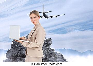 zusammengesetzt, laptop, bild, geschäftsfrau