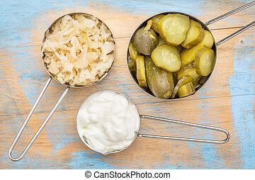 zuurkool, komkommer, pickles, yo