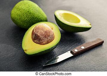 zwarte achtergrond, fris, lei, op, avocado