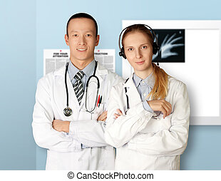 zwei, doktoren, lächelt, kamera