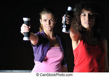 zwei frauen, austüfteln, in, fitneßklub
