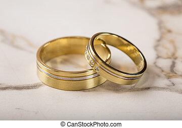 Goldenes Ringe Zwei Eis Oberfläche Wedding Goldenes