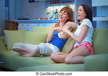 zwei mädchen, schauen, fernsehapparat