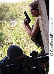 zwei, militaer, maenner, in, a, uniform