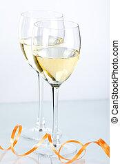 zwei, wein brille, mit, weißwein