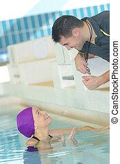 zwemmen coach, mannelijke , vrouwlijk, swimer