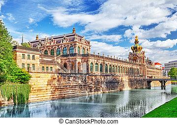 Zwinger Palace (Der Dresdner Zwinger) Art Gallery of...